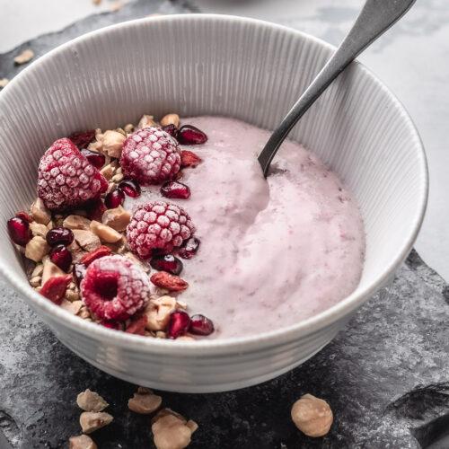 raw raspberry buckwheat bowl