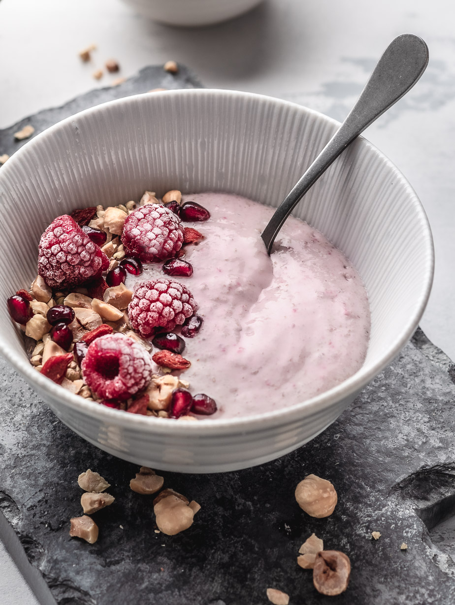 raw raspberry buckwheat bowl